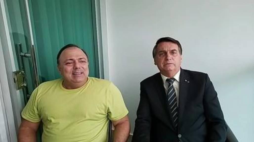 Pazuello e Bolsonaro (Reprodução Internet)