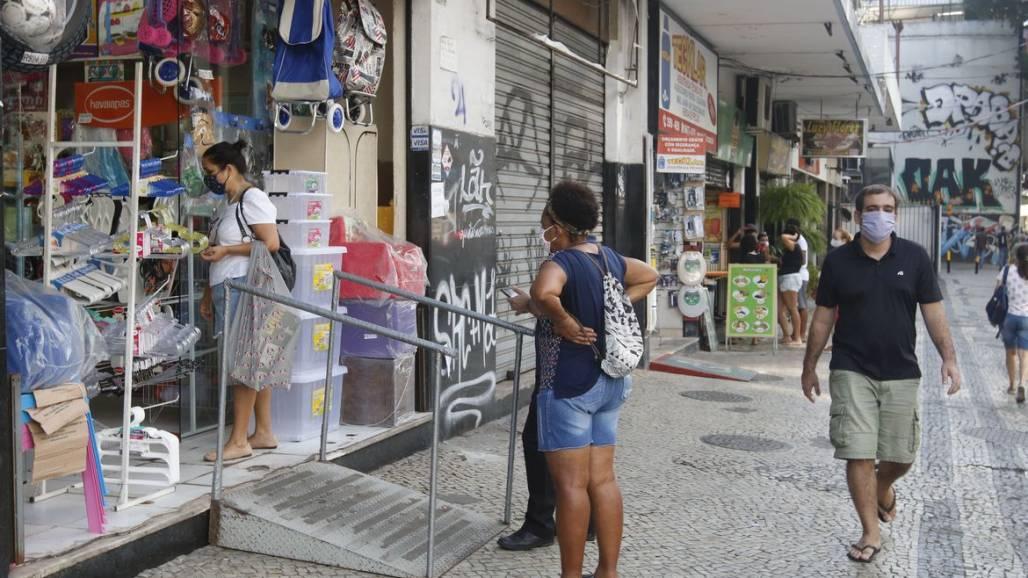 comercio_de_rua_e_saloes_de_beleza_reabrem20200627_0335 (Reprodução/AgênciaBrasil/FernandoFrazão)