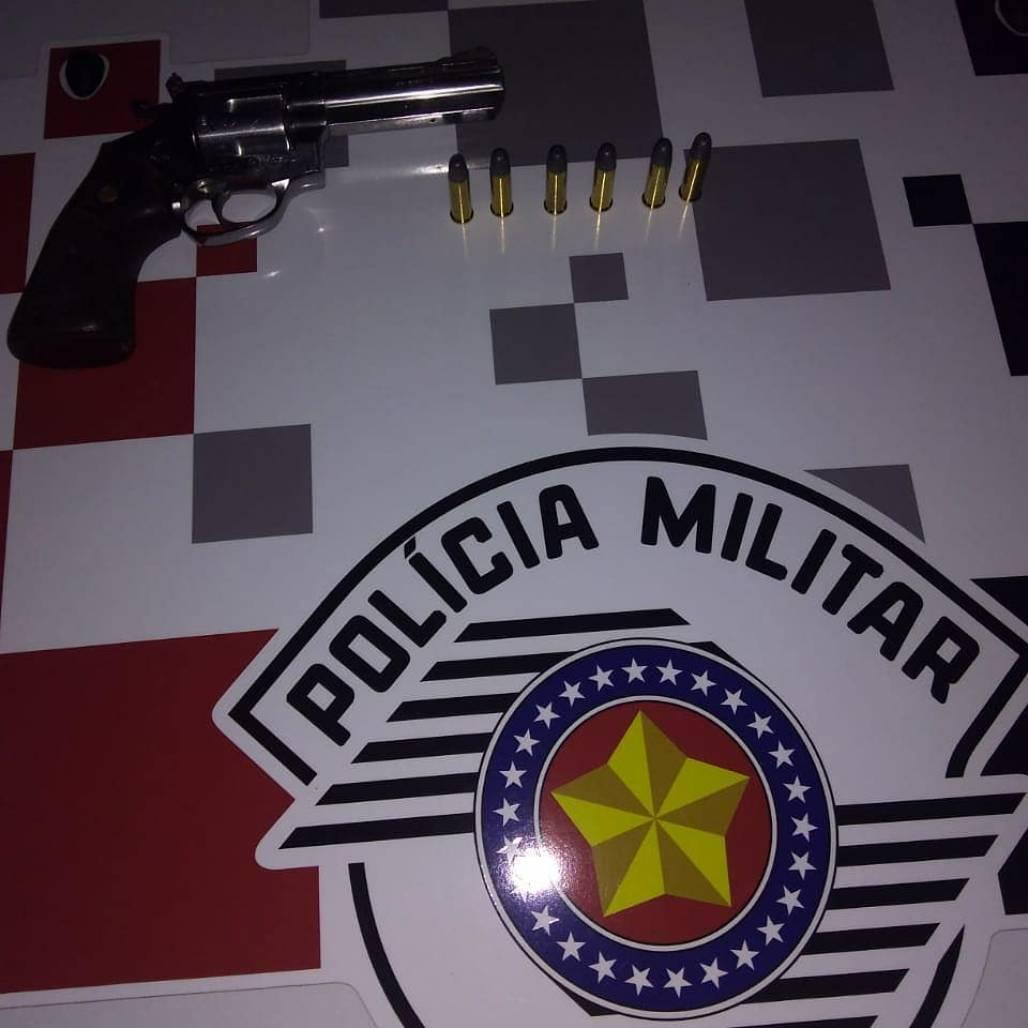 preso por porte ilegal de arma 1 (Polícia Militar / Divulgação)