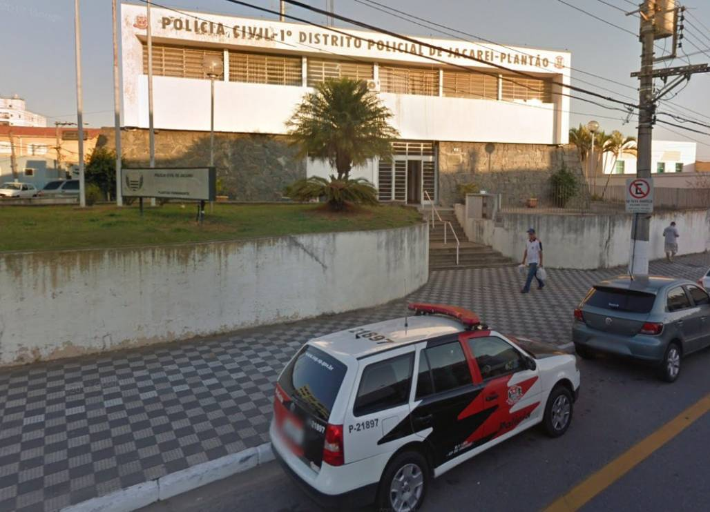 primeiro-dp-jacarei (Foto: Google Street View)