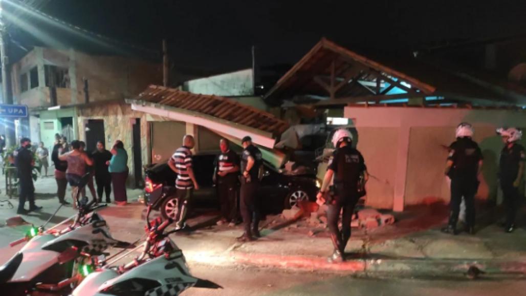 homem bate em muro alcoolizado (Foto: Divulgação/GCM)