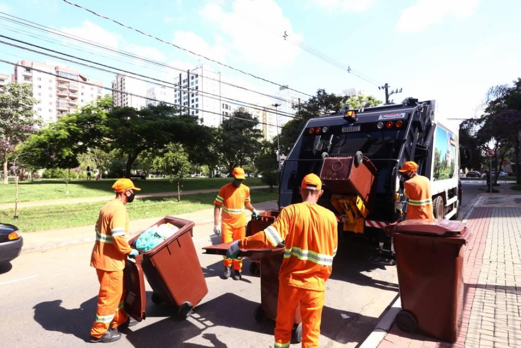 coleta de lixo sjc  (Foto: Adenir Britto/PMSJC)