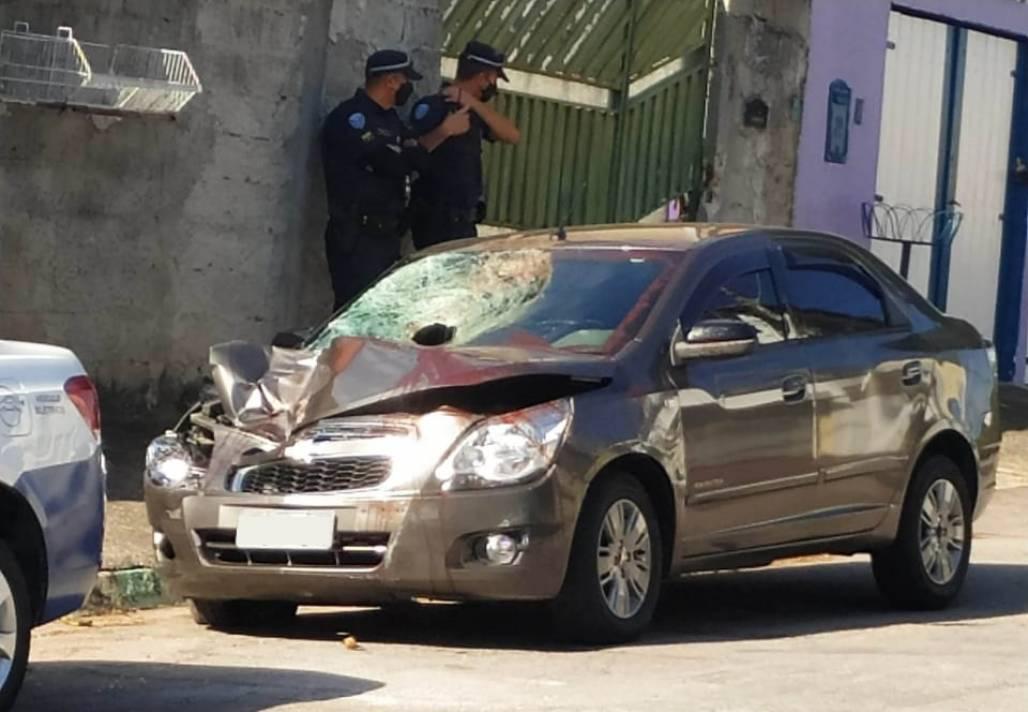 Carro roubado acidente SJC (Reprodução / GCM)
