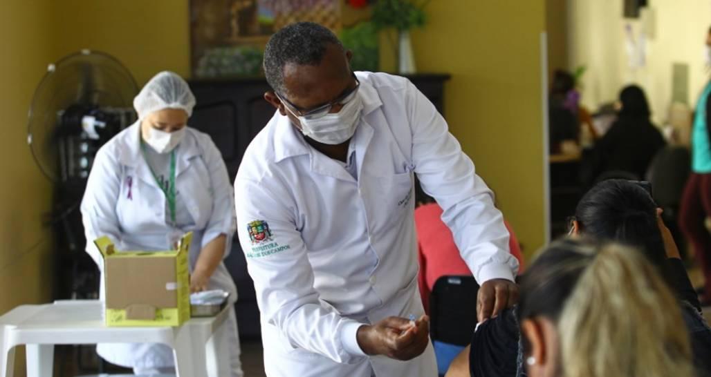 vacinação em sjc (12/06) (Foto: Claudio Vieira/PMSJC)
