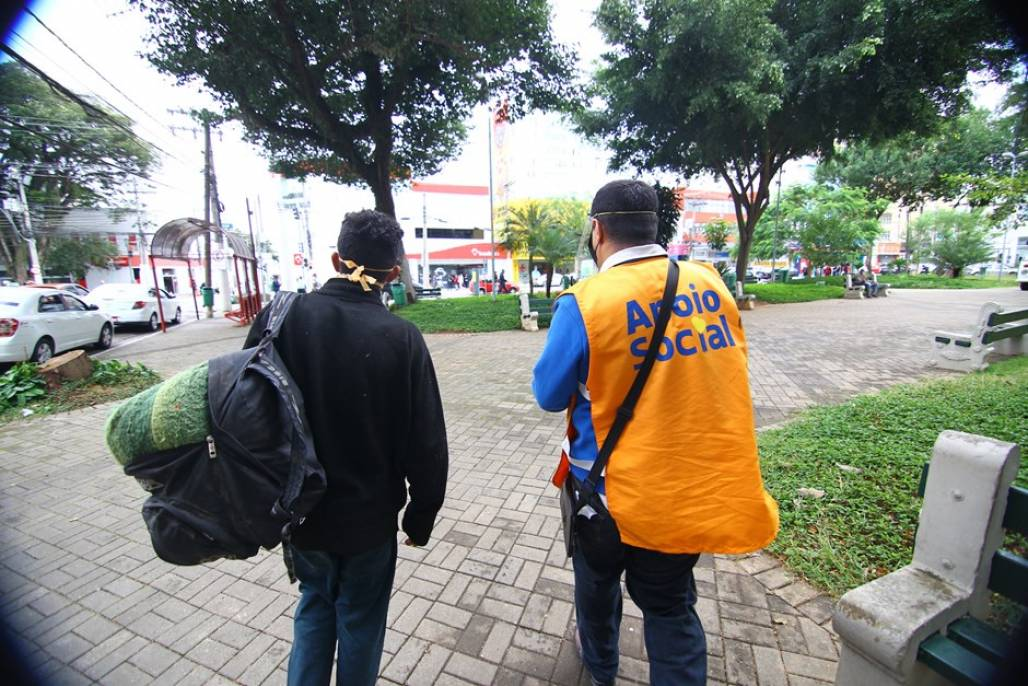 morador de rua (Foto: PMSJC)