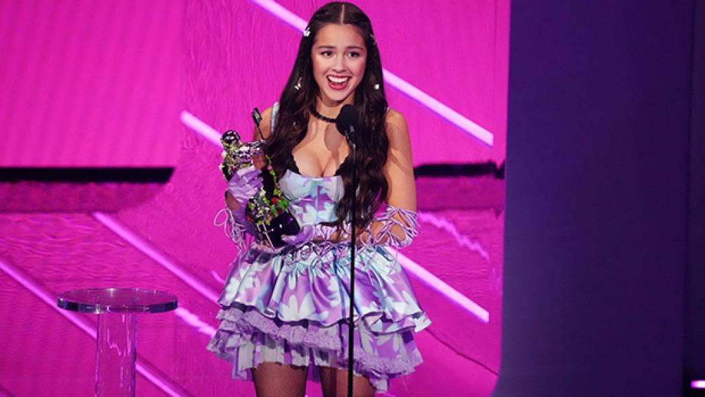 Olivia Rodrigo Prêmio VMA (Crédito: Charles Sykes/Invision/AP/Shutterstock)
