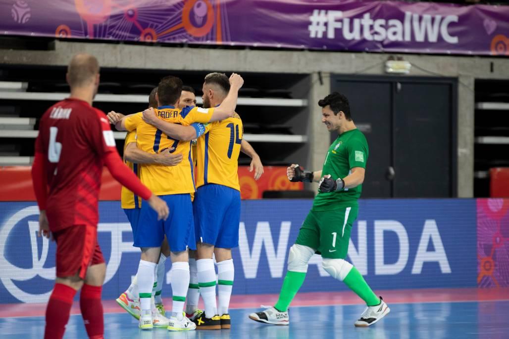 Brasil x R.Tcheca - Futsal 6 (Thaís Magalhães / CBF)