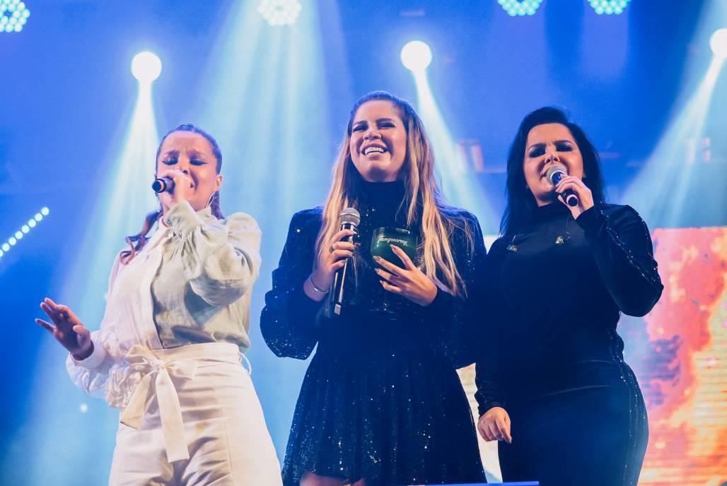 Após dois anos sem subir aos palcos, Marilia Mendonça se apresentou em São José dos Campos SP. De surpresa Maiara e Maraisa chegaram e cantaram juntas seu ultimo lançamento.-27 (Foto: Will Dias/AgNews)