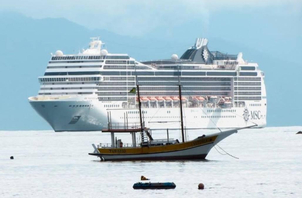20141120_navio cruzeiro_ubatuba_(Divulgação/PMU)